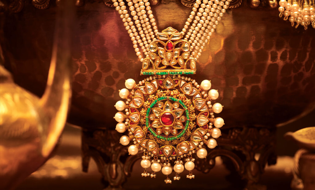 Selling Your Gold Jewellery To Gold Buyers For Cash
