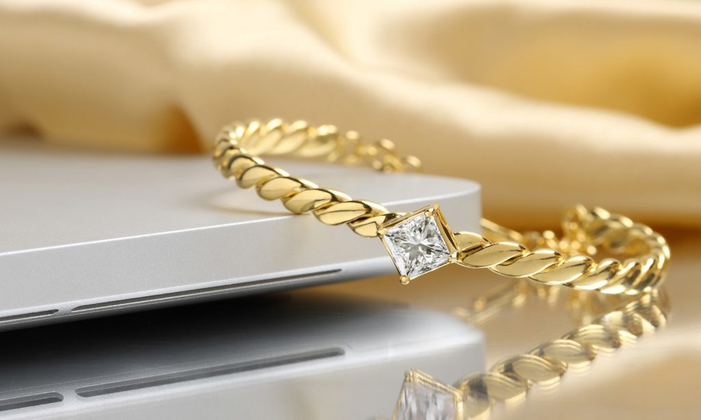 Want To Sell Your Diamonds? Make Sure You Work With The Experts